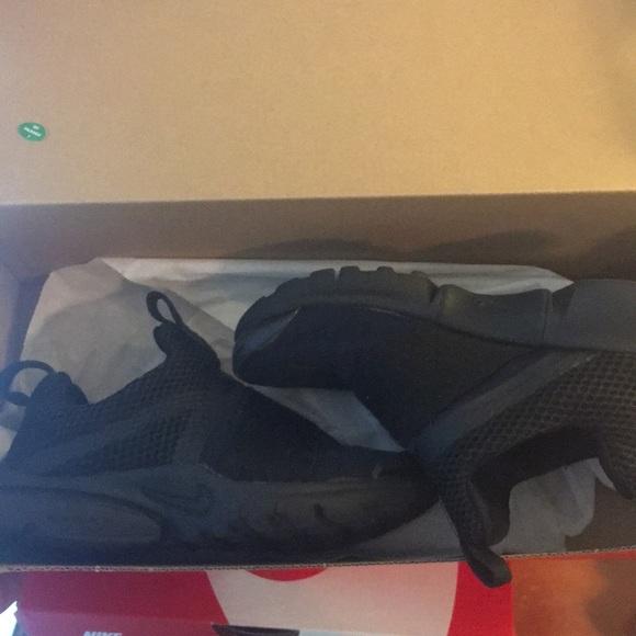 Nike Shoes | Boy Black Presto Extreme